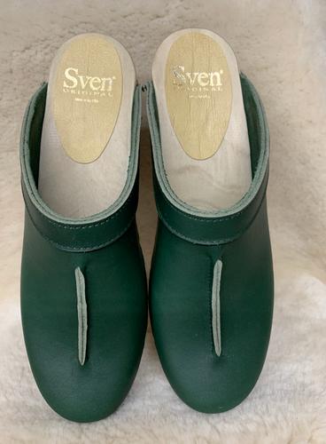 Hunter Green - Front Seam Clogs - Mid Heel