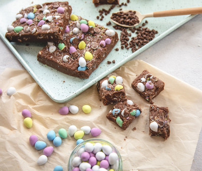 Mini egg fudge