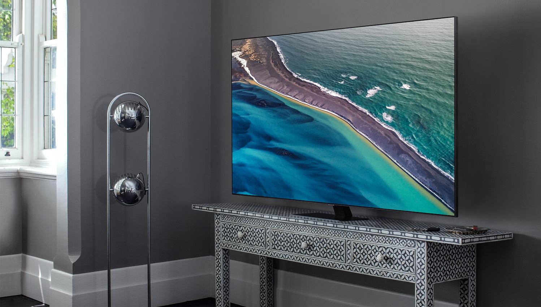 "Samsung QE55Q80T 55"" QLED TV Lifestyle Image"