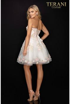 Terani Couture 2011P1025