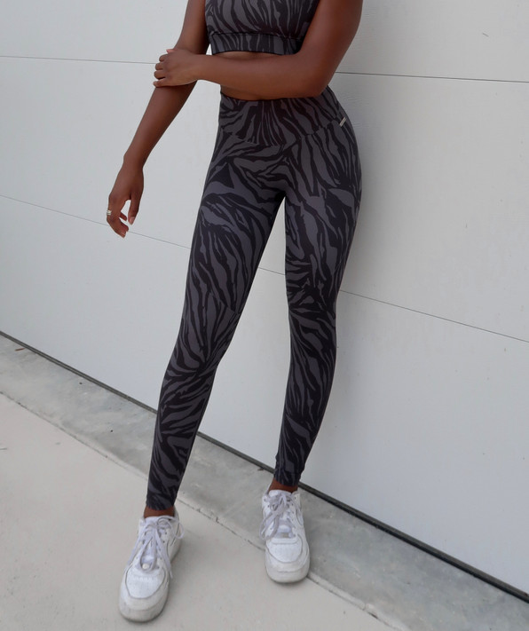 Allure Leggings - Black Zebra