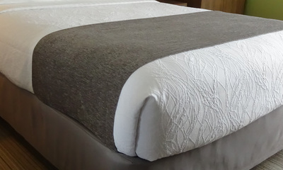 HSD Windsor Chenille Hotel Bed Scarf, King 26x108