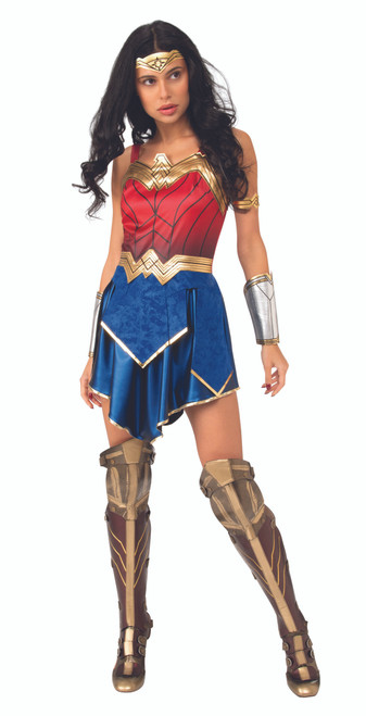 Wonder Woman 1984: Wonder Woman - At The Costume Shoppe