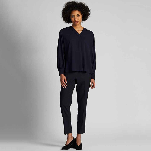 uniqlo Brand new WOMEN RAYON V NECK LONG SLEEVE BLOUSE-Black