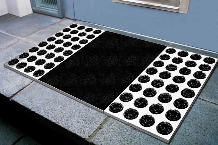 Feet-Back II Doormat showing bristles and fine dust mat