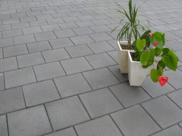 CENTRO PAVE CHARCOAL 300 x 300 x 40mm