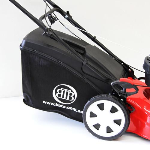 BBT self propelled lawn mower catcher SP70
