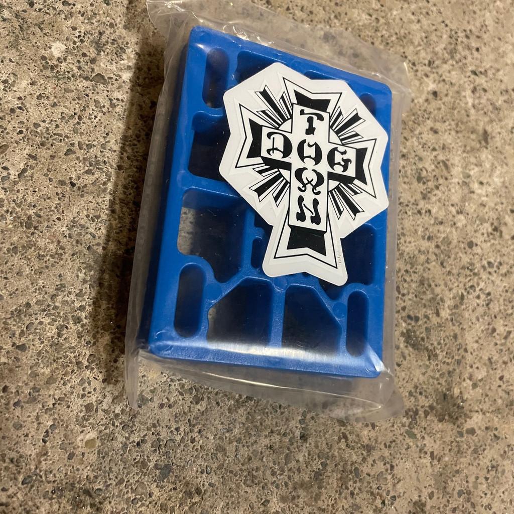 """Dogtown Riser Pads 3/8"""" (Blue)"""
