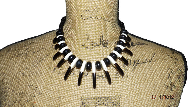 """Eagles Claw Tribal Necklace 12"""" tribal exotic animal Claw necklace 1"""" claws Resin Brown/White colors"""