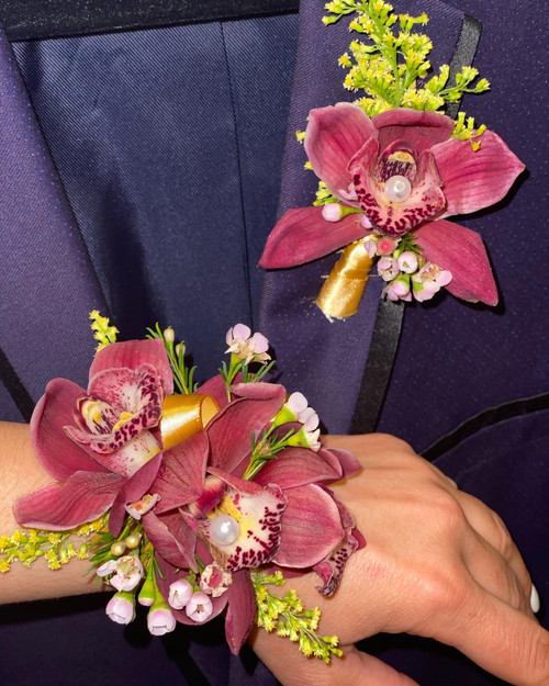 Cymbidium Orchid Bout and Corsage Set