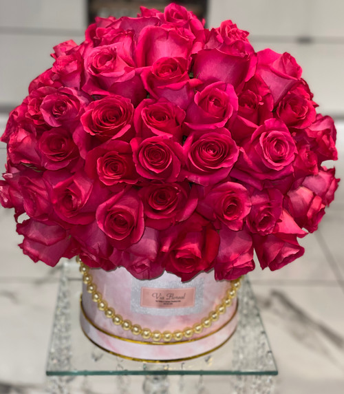 100 Pink Roses in a Hatbox