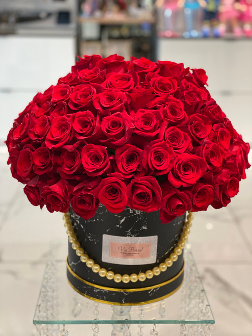 100 Red Roses in a Hatbox