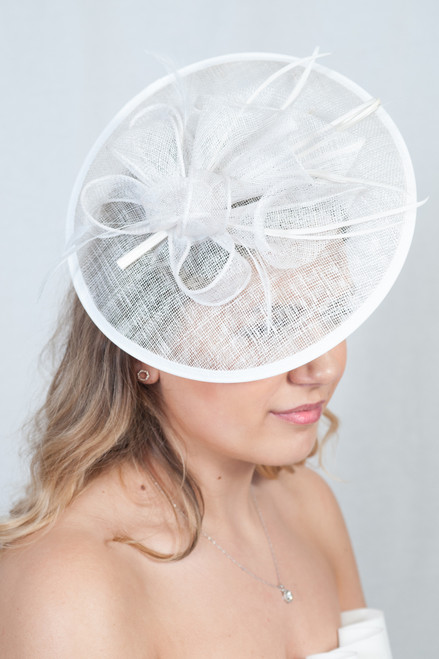 Oriental Lily White Floral Feather Hatinator