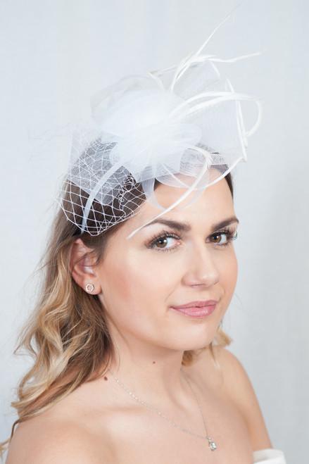 Bijoux White Feather Crin Veil Fascinator