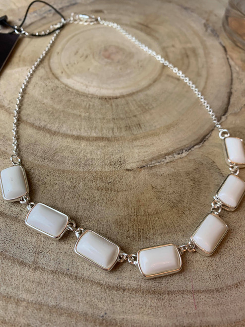 So Chic White Resin Necklace