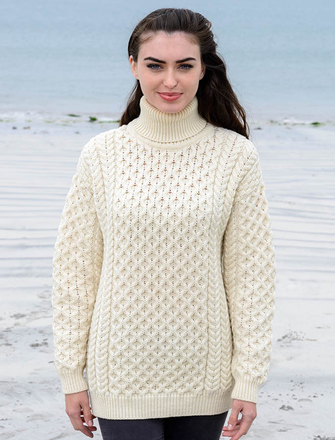 1bfac3ca5f Women s Oversized Honeycomb Turtleneck Sweater