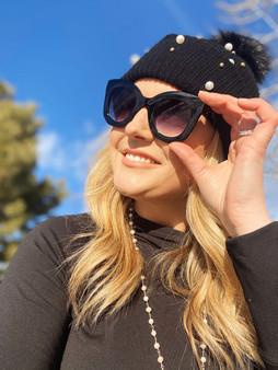 Love Lindsey Retro Sunglasses: Black