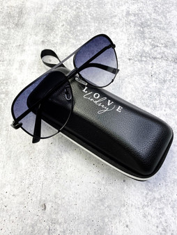 Aviators: Ombré Lens and Black Frame With Case