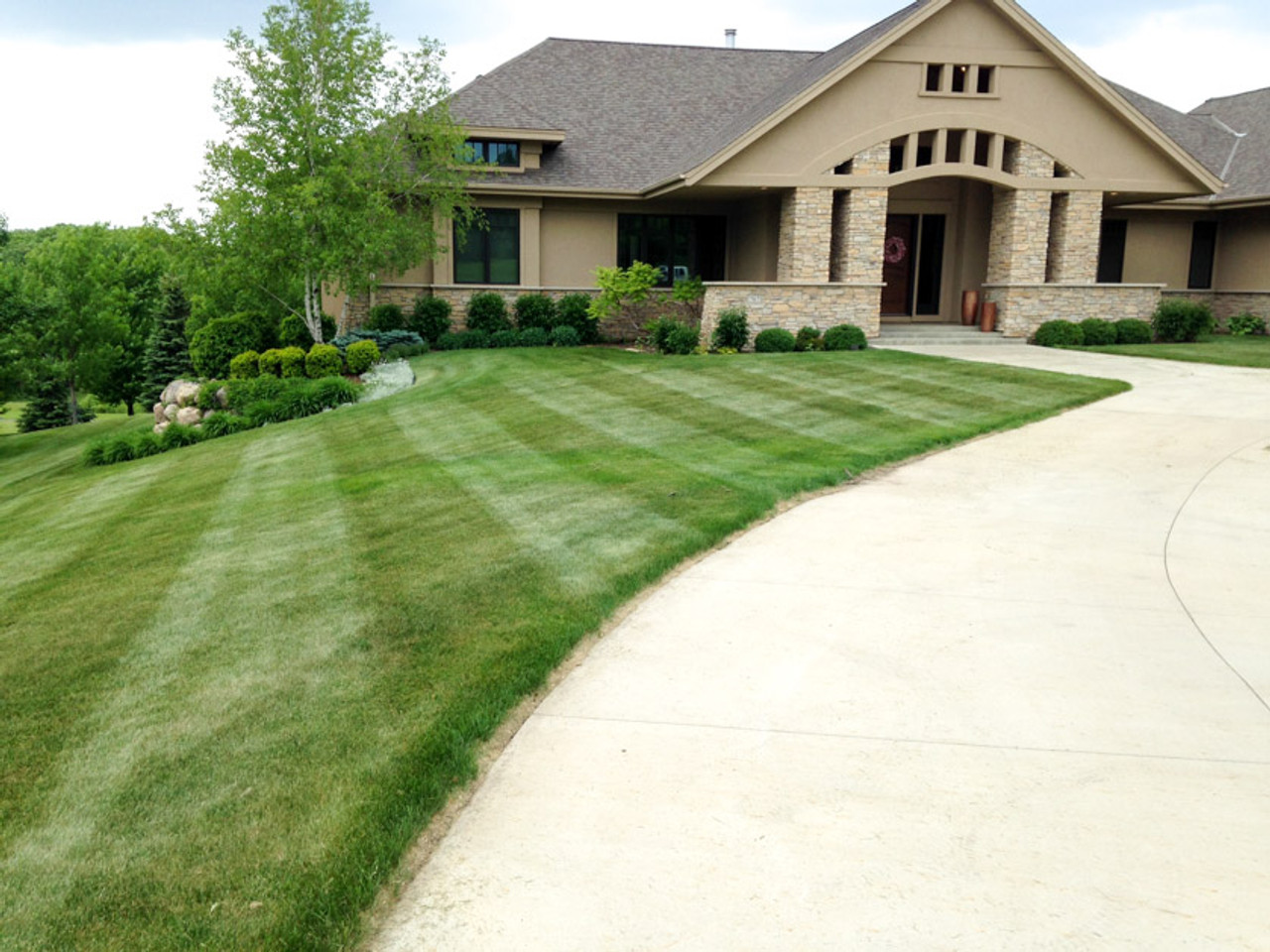 Lawn Stripes with John Deere 737