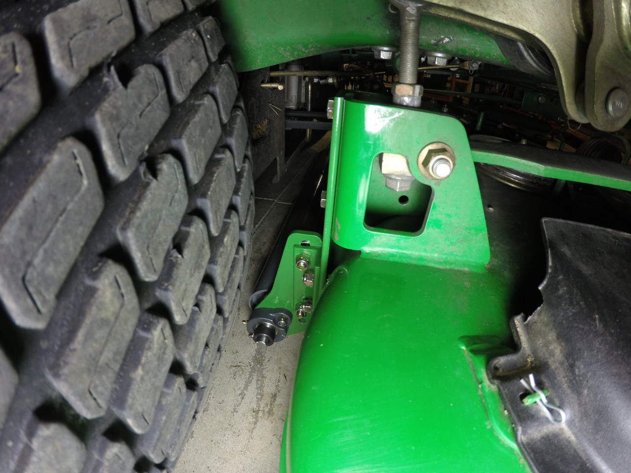 """Lawn Roller Striping Kit for 2017 John Deere 760 with 60"""" 7-Iron deck"""