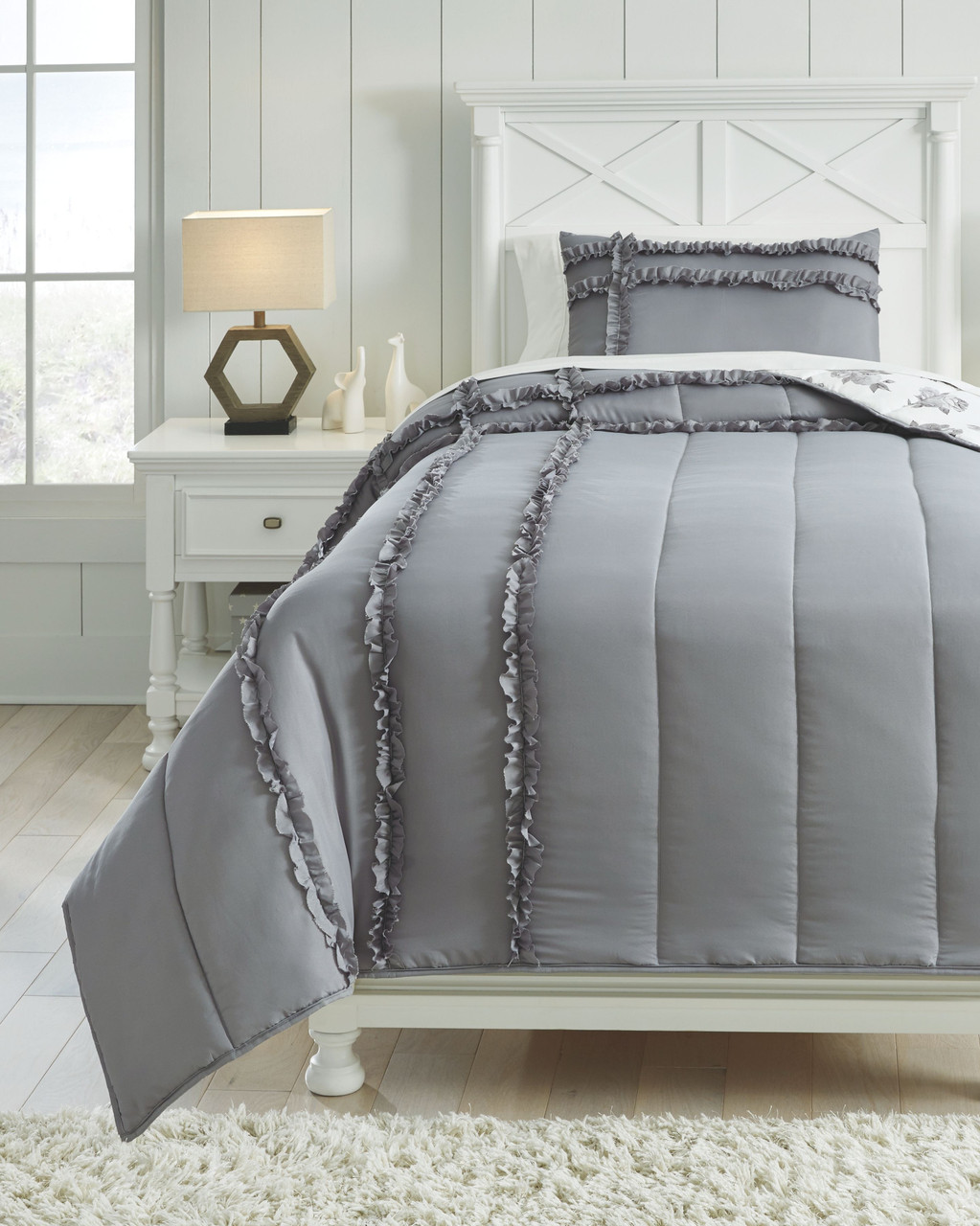 The Meghdad Gray White Twin Comforter Set Available At Bitney S Furniture And Mattress Company Serving Kalispell Mt