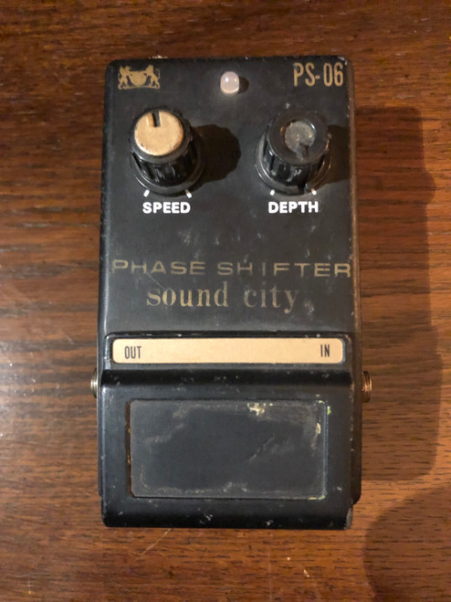 <p>In stock and ready to ship at MorMusic</p><p>Seen it cheaper elsewhere? We'll aim to match or beat any like for like price!</p><p>Sound City PS-06 Phase Shifter - Pre-Owned. Please study the photographs carefully as these form part of the description.</p>