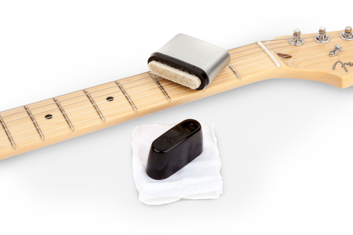 <p>In stock and ready to ship at MorMusic</p><p>Seen it cheaper elsewhere? We'll aim to match or beat any like for like price!</p><p><span>The Fender Speed Slick guitar string cleaner prolongs the life of your instrument's strings. The simple and effective applicator is a snap to use. The treated applicator pad with our proprietary cleaning solution does all the work for you. Just rub it up and down your strings and wipe away clean with the included wiping cloth. The Fender Speed Slick cleaning solution is safe for any finish and/or fingerboard wood.</span></p>