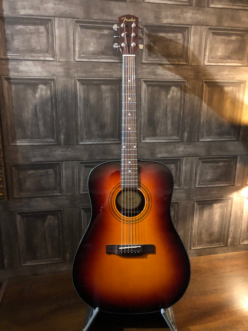 <p>Fender CD60SB, Pre-Owned - please study the photographs carefully as these form part of the description.</p>
