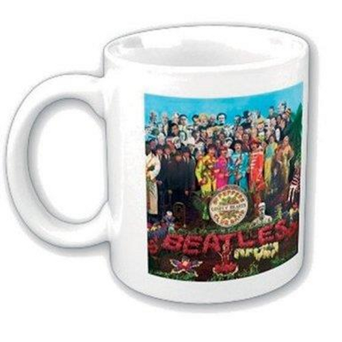 <p>In stock and ready to ship at MorMusic</p><p>Seen it cheaper elsewhere? We'll aim to match or beat any like for like price!</p><p><span>The Beatles 11oz (approx 320 mls) Boxed Standard Mug in White ceramic and featuring the 'The Beatles Sgt Pepper' design motif. Comes gift packaged in a co-ordinated box</span></p>
