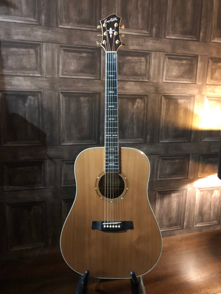 Preowned Hagstrom Elfdalia dreadnought guitar. In fantastic condition overall and a credit to its former keeper. Has one tiny mark on the front which was difficult to pickup on the photos but nothing to overly detract. With all used guitars the pictures provided form part of the description so please study them carefully.