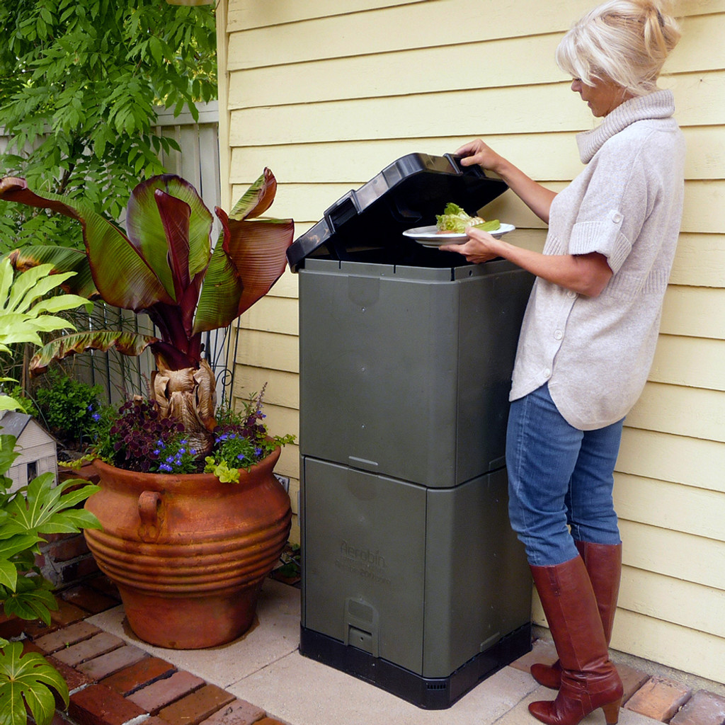 Aerobin 200 Insulated Composter - 7 Cubic Foot (55 Gallon) Compost Bin