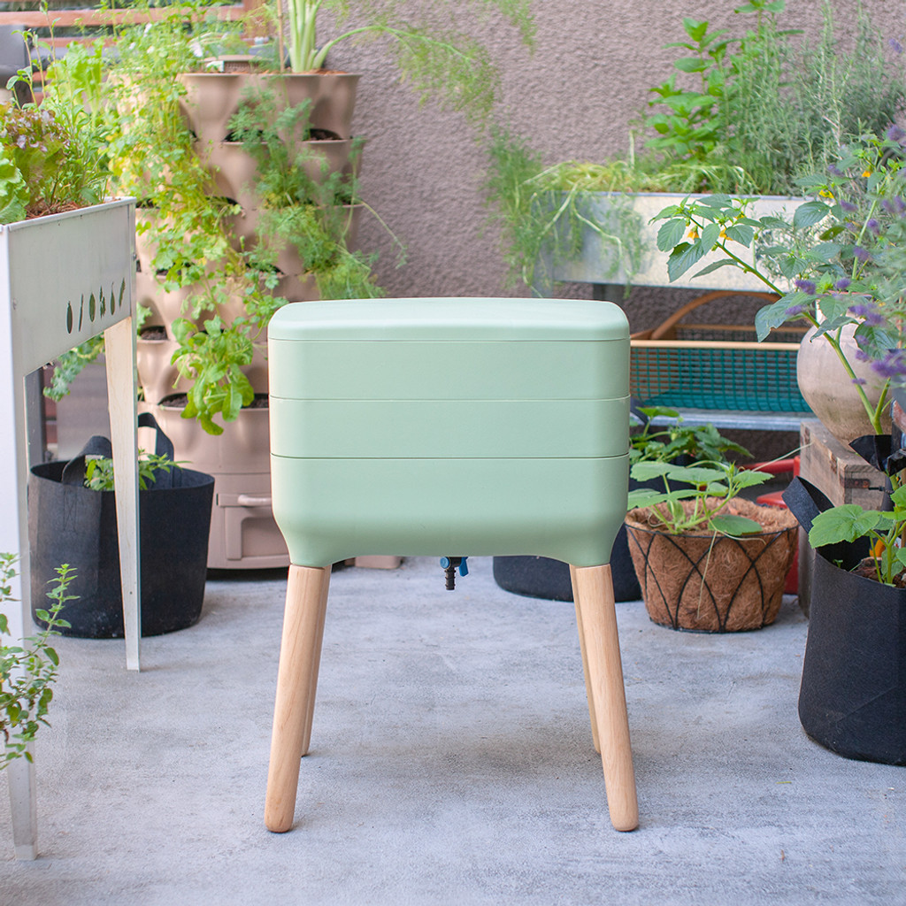 Eartheasy Dual Tray Worm Composter