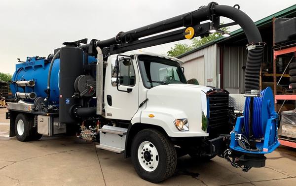 Full-Size Combination Vacuum Truck