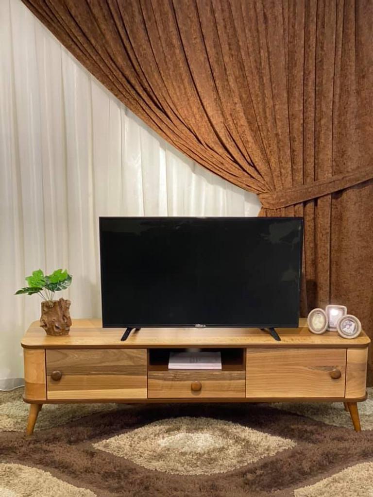 Lilyum ميز تلفزيون