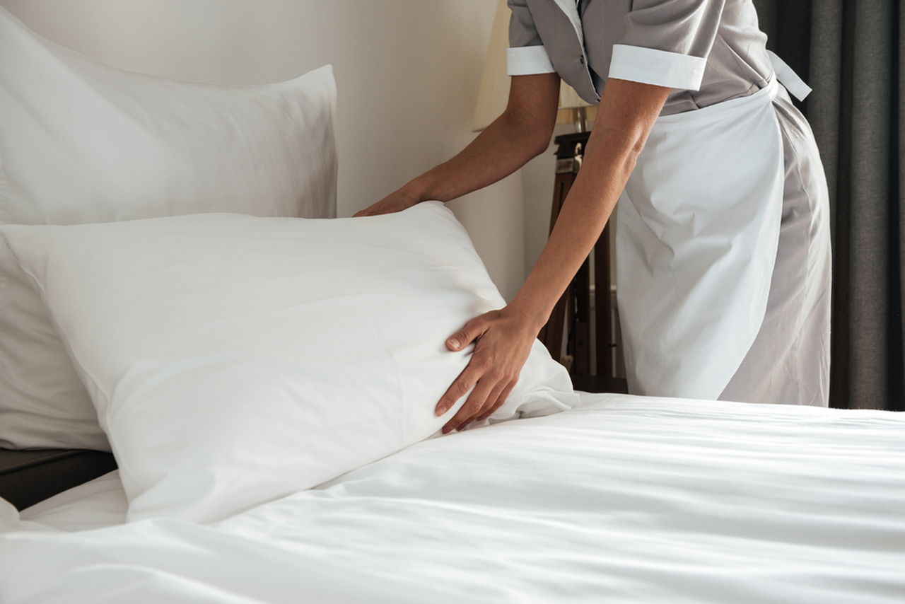 The REAL Difference Between Hotel Bedding and Your Bedding
