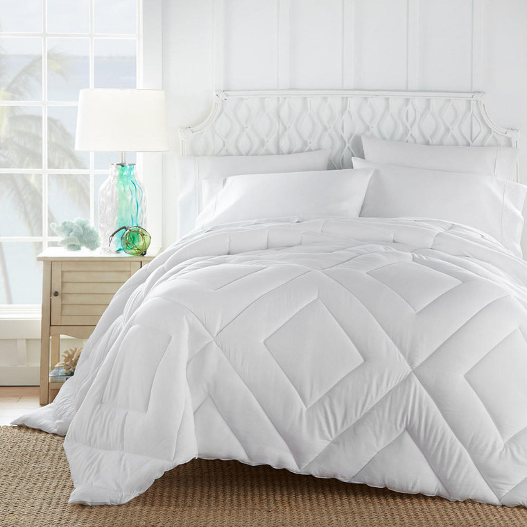 Tommy Bahama Tommy Bahama - Relaxed Comfort Butter Soft Down Alternative Comforter
