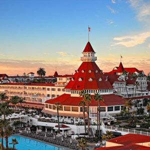 Hotel Del Coronado Bedding