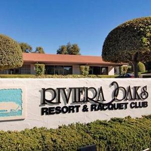 Riviera Oaks Resort Bedding