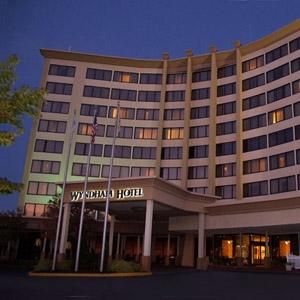 Wyndham Hotel Bedding
