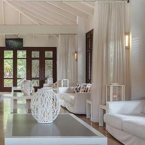 Floris Suite Hotel Bedding