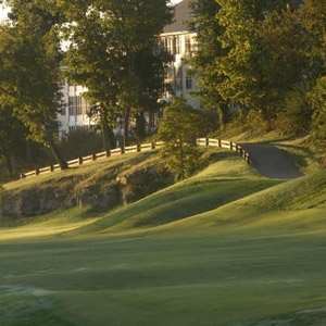 Thousand Hills Golf Resort Bedding