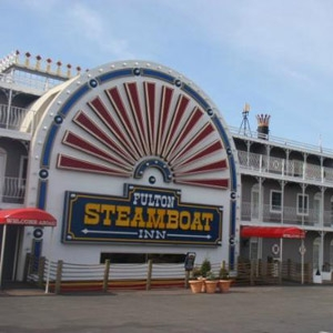 Fulton Steamboat Inn Bedding