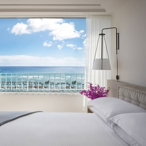 The Modern Honolulu Resort Bedding