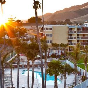 Seacrest Oceanfront Hotel Bedding