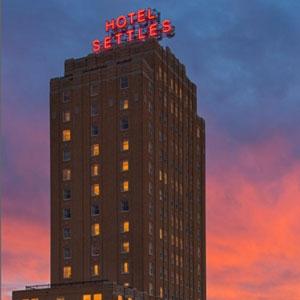 Hotel Settles Bedding