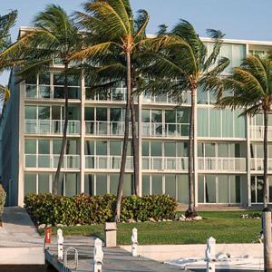 Amara Cay Resort Bedding By DOWNLITE