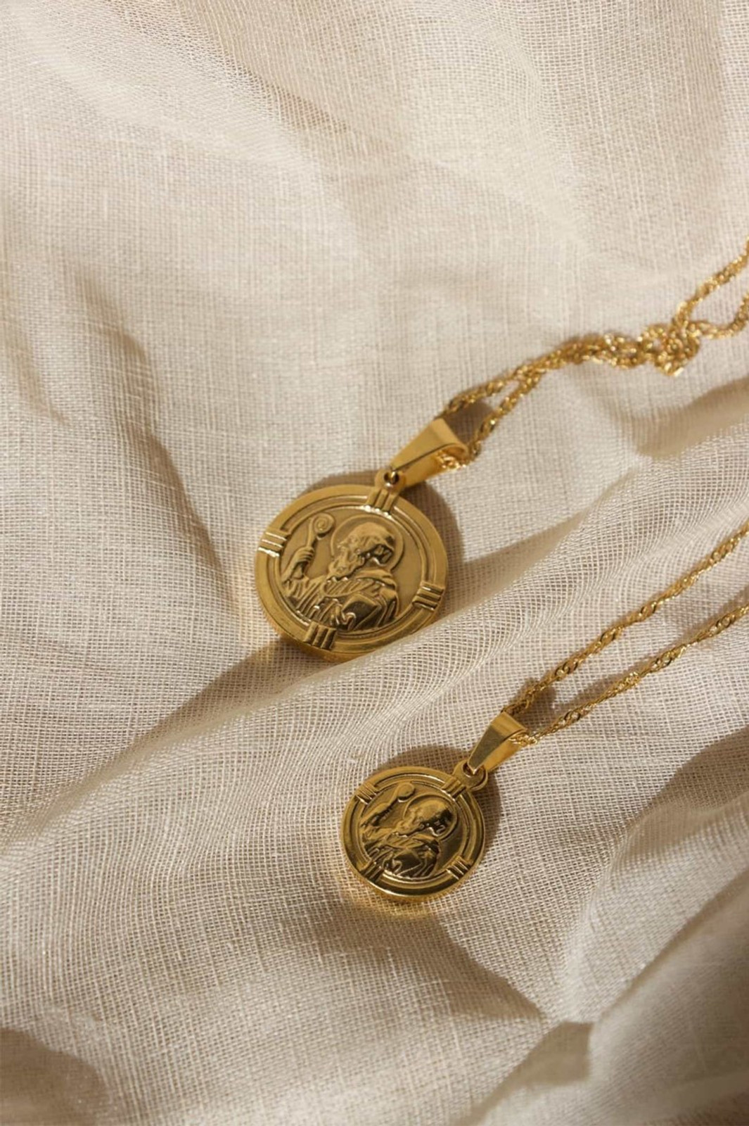 Elka Collective BRIE LEON ST CHRISTOPHER PENDANT GOLD Gold  1