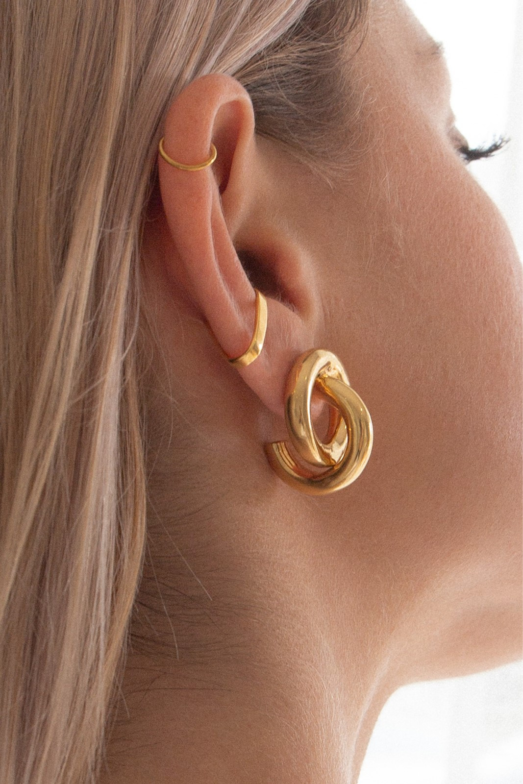 Elka Collective FLASH KNOT HOOPS Gold  2