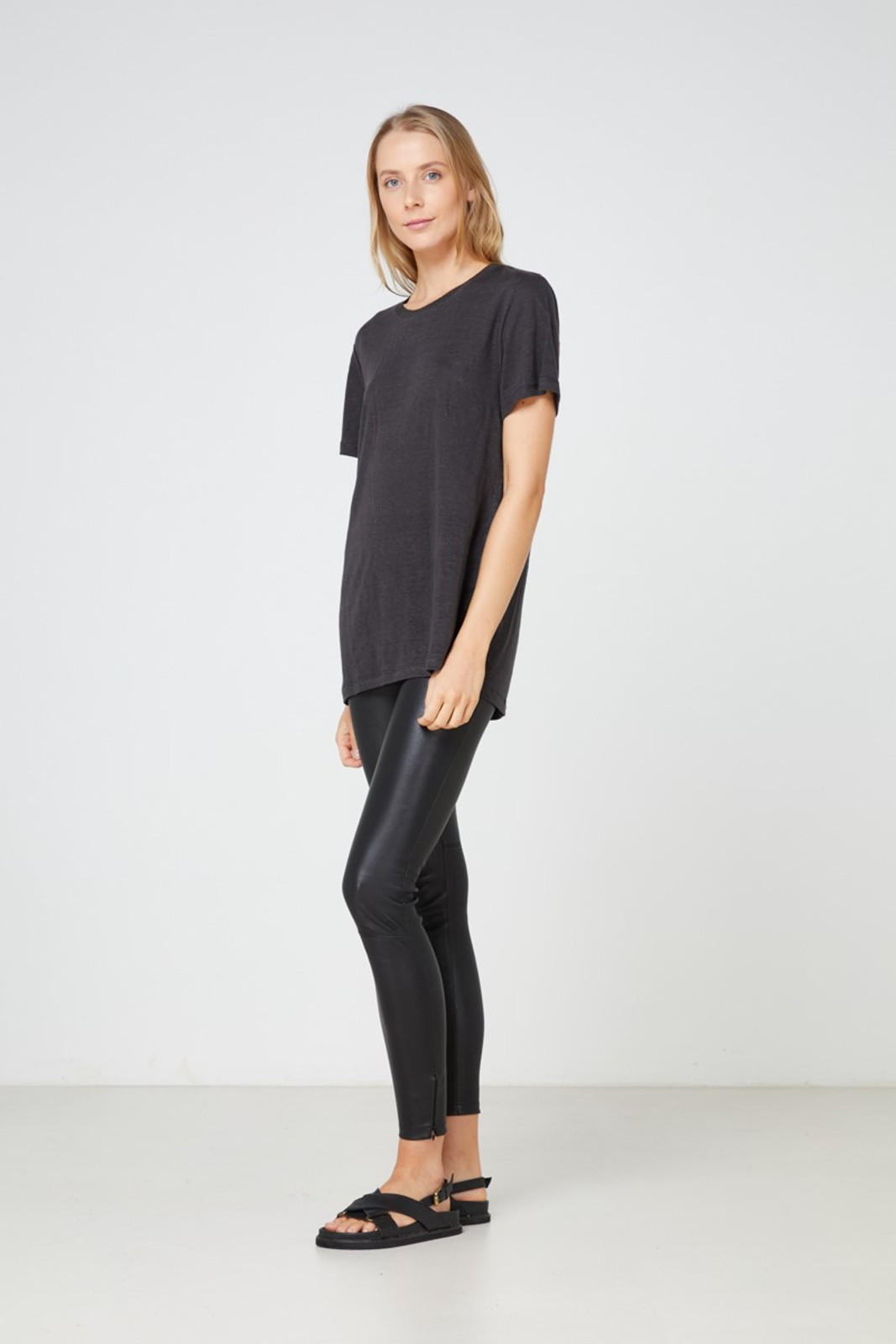 Elka Collective EC Linen Crew Neck Tee Black  0