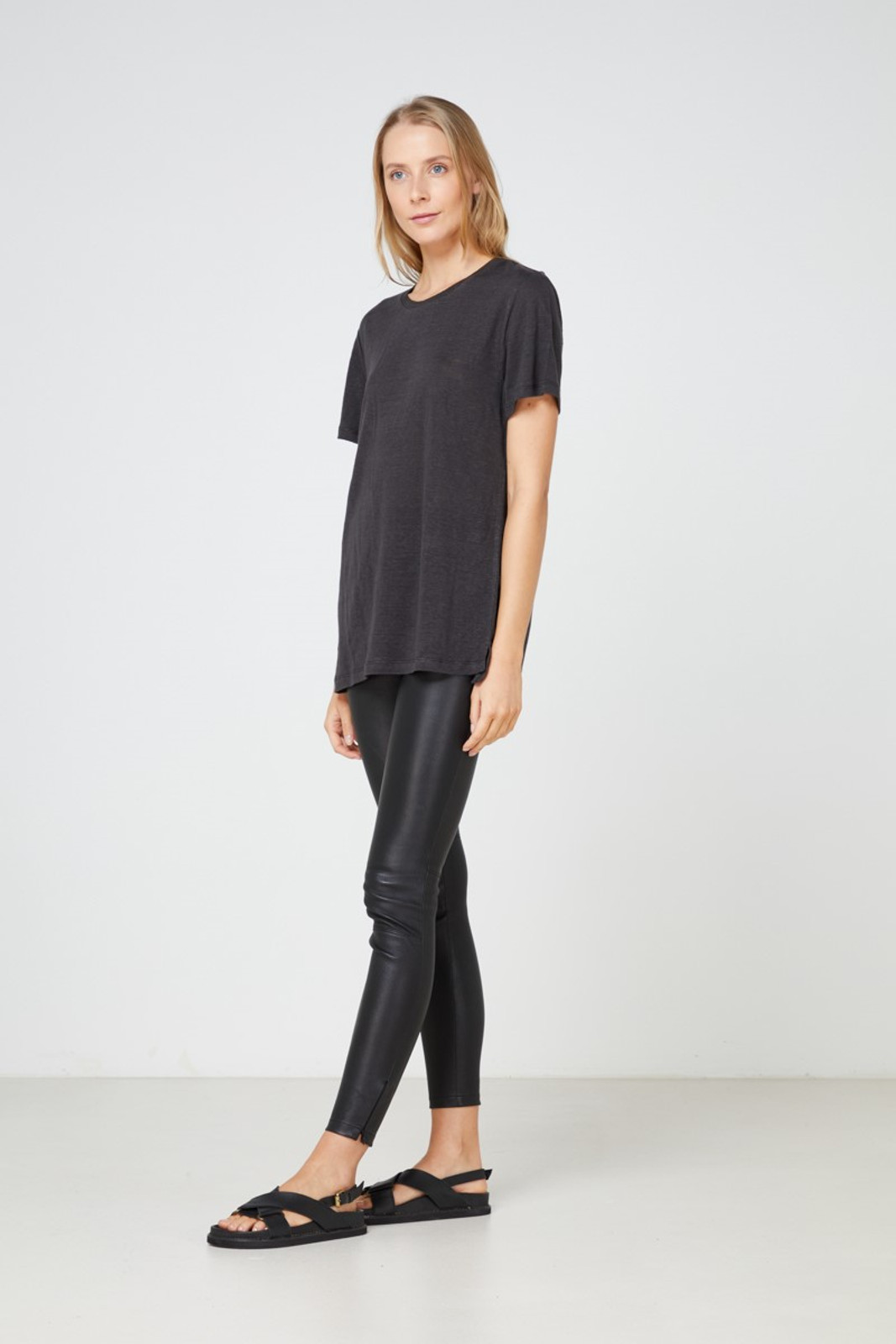 Elka Collective EC Linen Crew Neck Tee Black  1